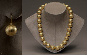 серьги из бриллиантового паве от Bottega Veneta