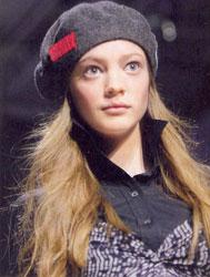 Шляпка от DKNY
